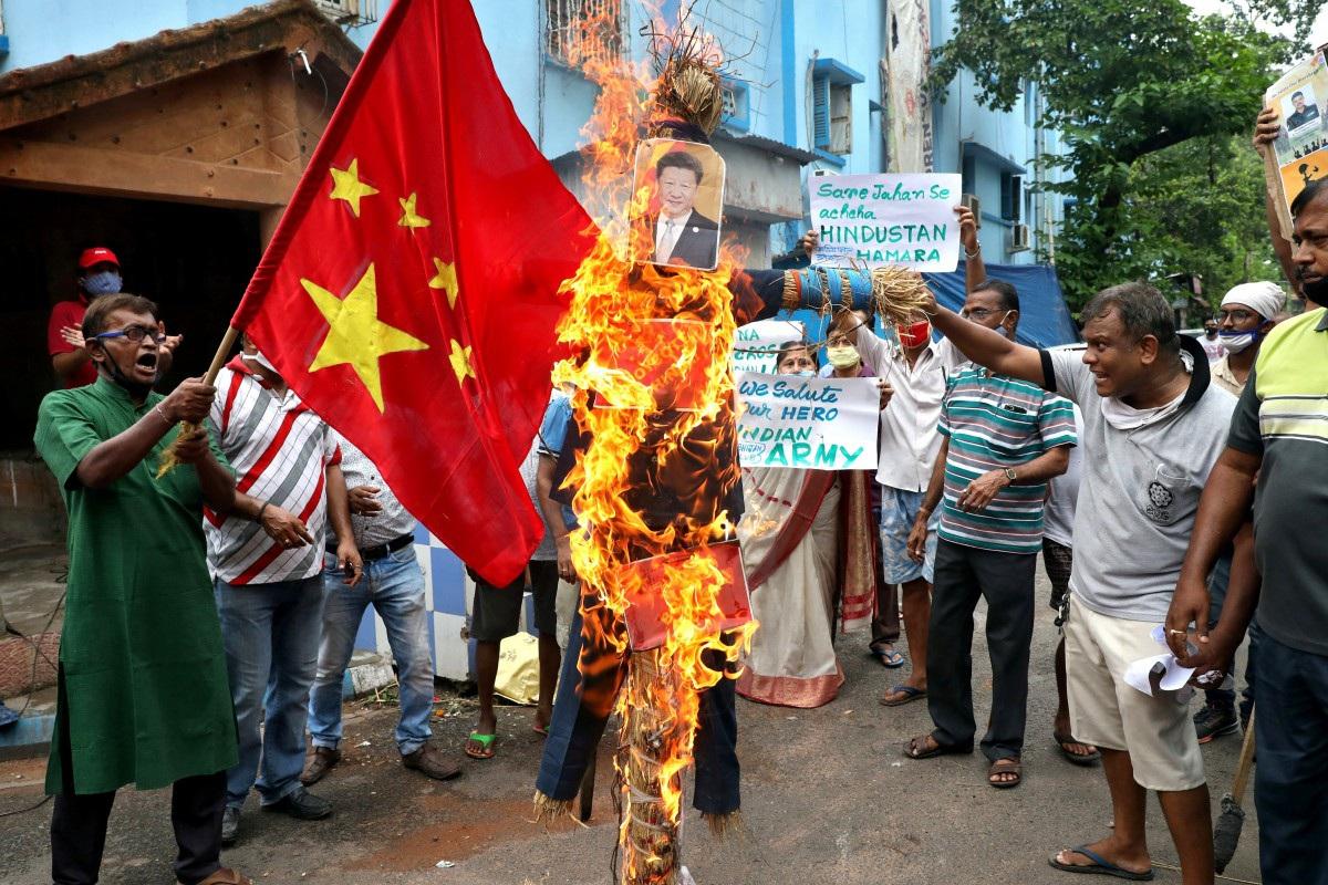 Ấn Độ kêu gọi tăng thuế, tẩy chay hàng Trung Quốc sau đụng độ biên giới