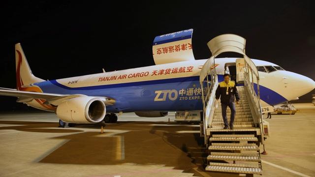 Bị Mỹ gây khó dễ, các công ty Trung Quốc ồ ạt kéo nhau về Hồng Kông - 1