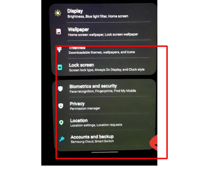 Màn hình điện thoại Samsung cũng bị lỗi ám xanh giống iPhone - 1