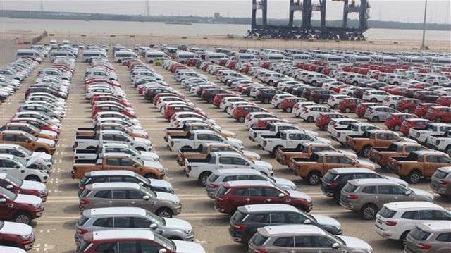 Nhập ô tô nhầm cửa khẩu, tắc 3 năm không được thông quan