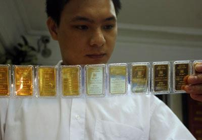 Giá vàng không ngừng tăng, phá vỡ đỉnh 8 năm