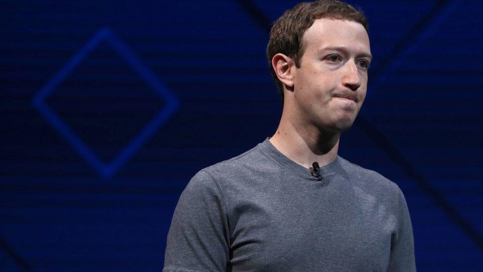 """Bị hơn 100 công ty lớn """"tẩy chay"""", cổ phiếu Facebook giảm mạnh 56 tỷ USD"""