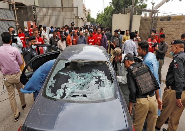 Phiếm quân Pakistan xả súng phản đối Vành đai và Con đường của Trung Quốc - 1