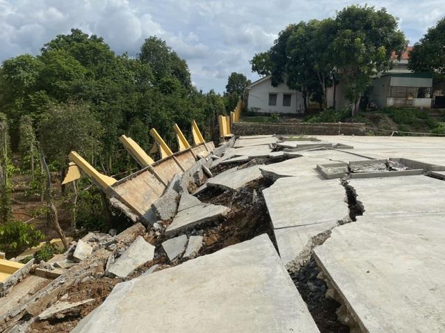 Công trình tiền tỷ đổ sập sau trận mưa, Sở Xây dựng không hay biết (?!) - 2