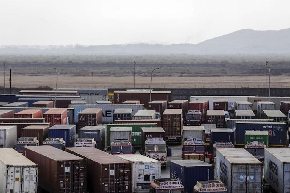 Hàng Trung Quốc bị chặn đứng tại cảng Ấn Độ
