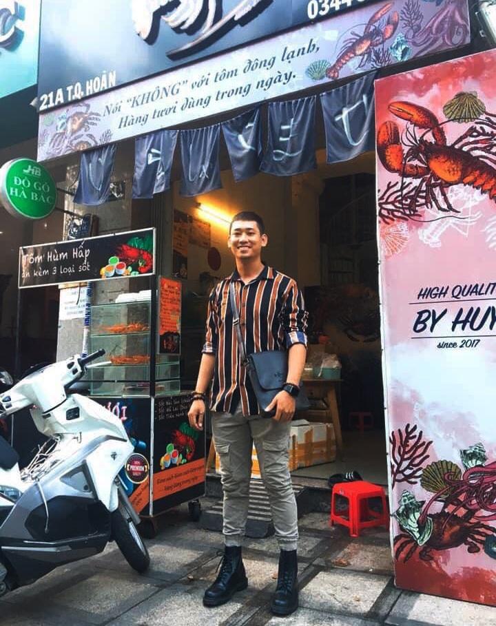 Bỏ lương nghìn đô ở sân bay, 9x Khánh Hòa về bán tôm hùm thu lãi khủng