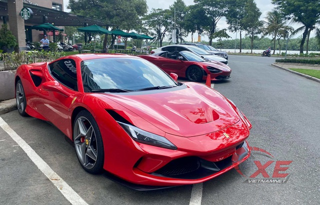 Hé lộ mức thuế phí của hai siêu xe đình đám tại Việt Nam - 3