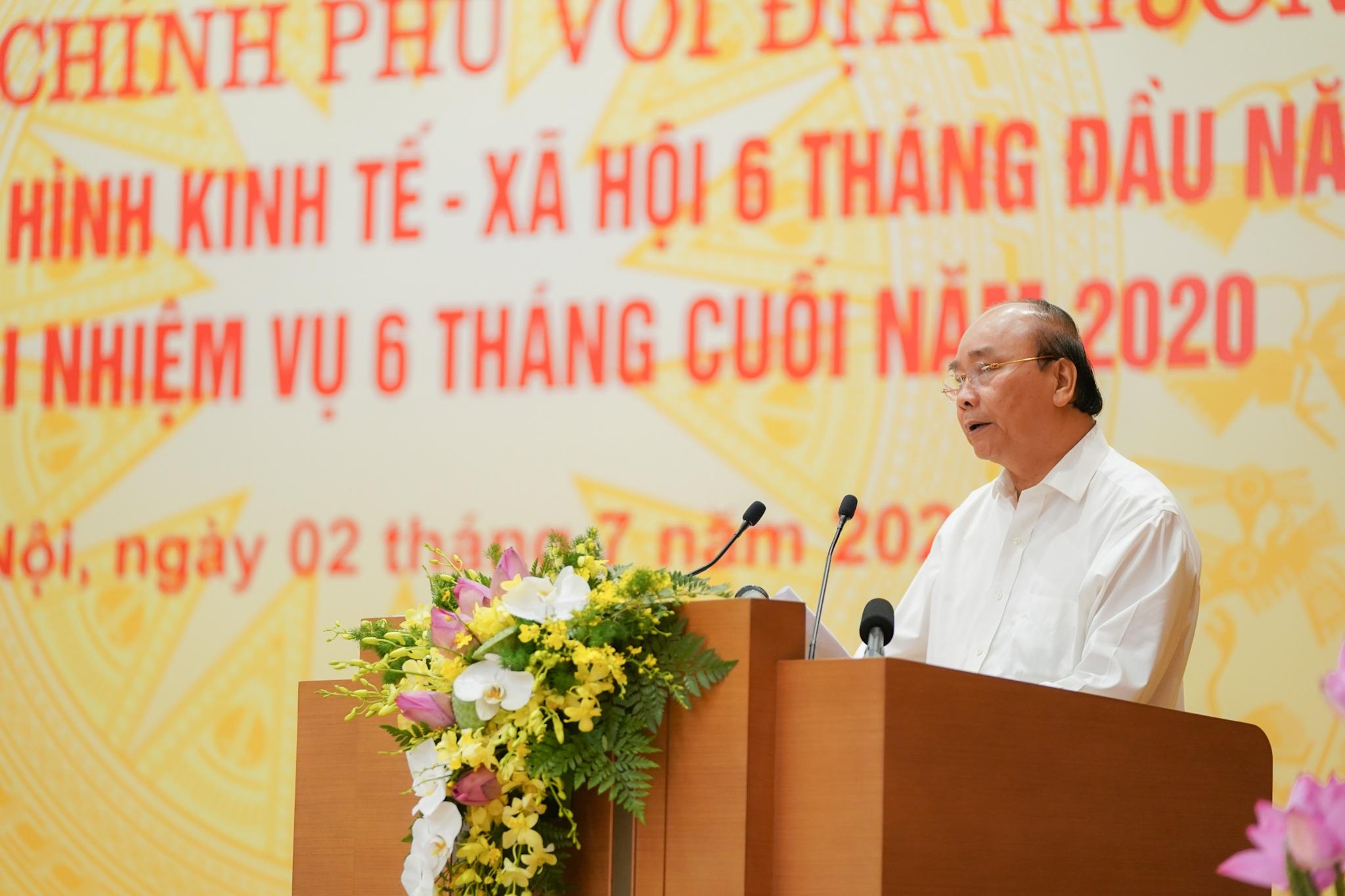 Thủ tướng: Các tỉnh đi xin dự án thì quyết liệt, vào việc lại đùn đẩy (!?)