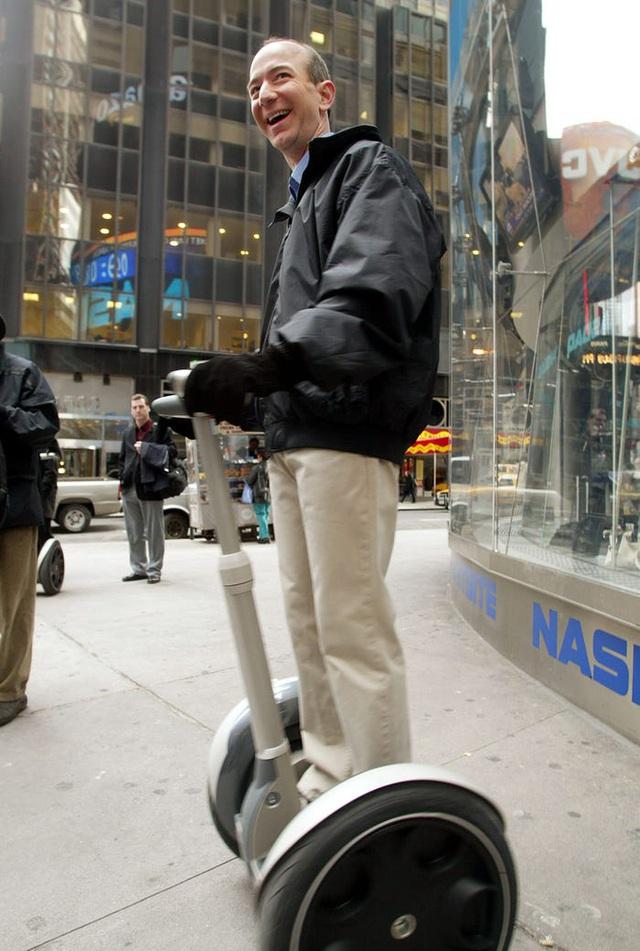 CEO Amazon Jeff Bezos: Từ tuổi thơ sóng gió tới ông chủ sở hữu 171 tỷ đô la - 8
