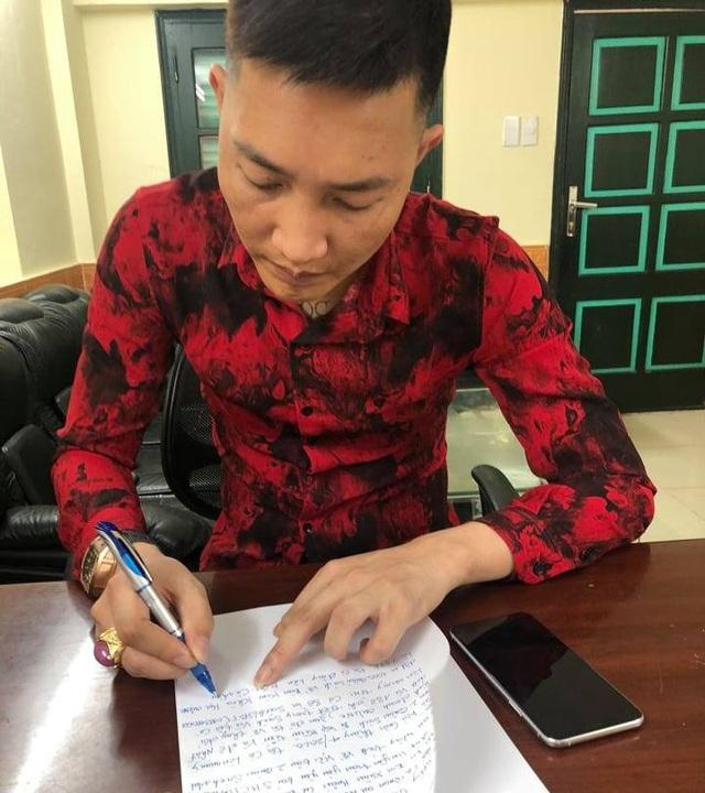 Huấn Hoa Hồng bị phạt hơn 17 triệu cho 2 cuốn sách lòe kiếm tiền - 2