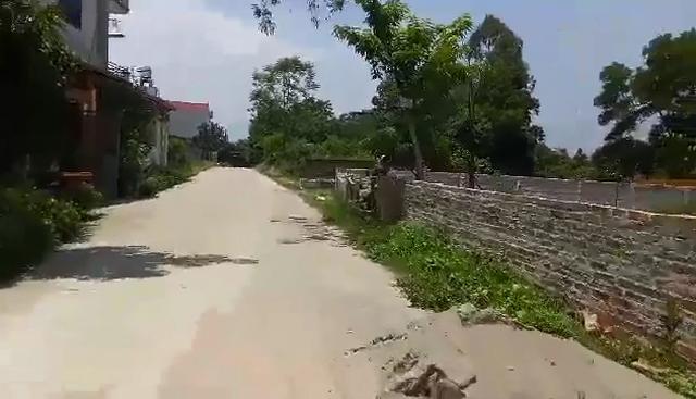 """Ôm mộng giàu nhanh nhờ buôn đất: Vợ chồng Hà Nội 9 năm """"còng lưng"""" trả nợ - 2"""