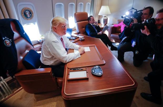"""Ông Trump: Quan hệ Mỹ- Trung """"tổn hại nghiêm trọng"""""""
