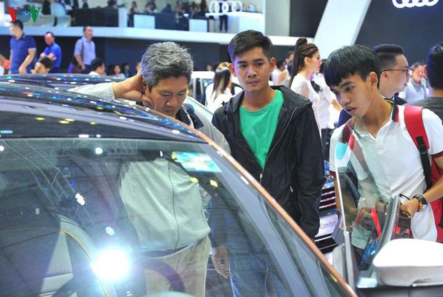 Hàng loạt mẫu xe hot mất doanh số, cuối năm giá xe có rẻ? - 1