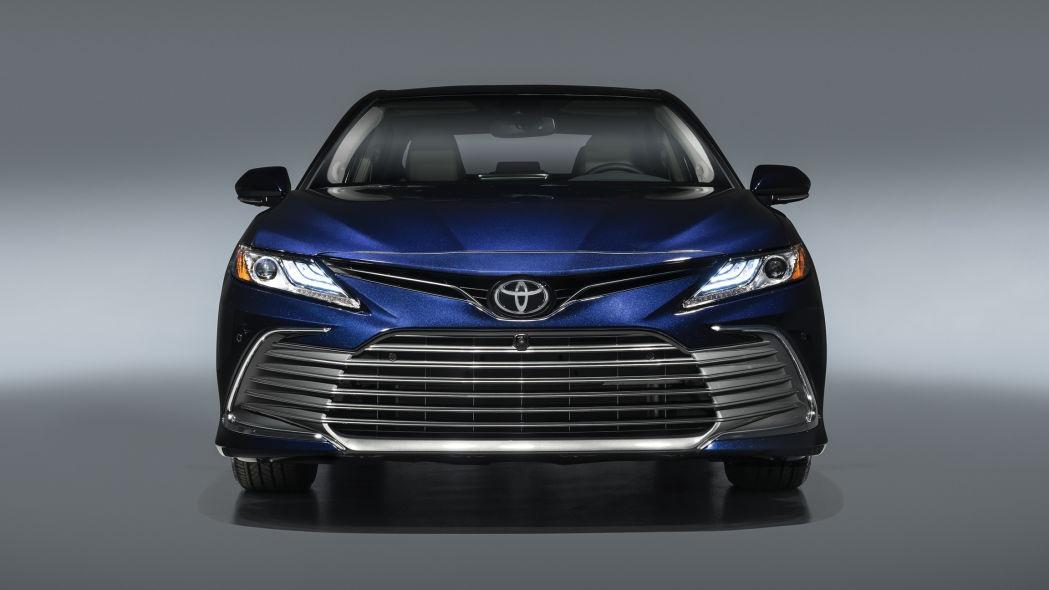 Toyota Camry 2021 có gì mới?
