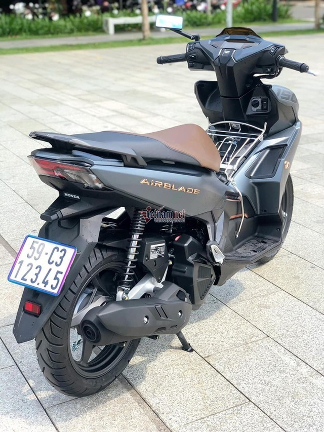 Chiếc xe máy mang biển 12345 bất ngờ bán được giá hơn 200 triệu đồng - 2
