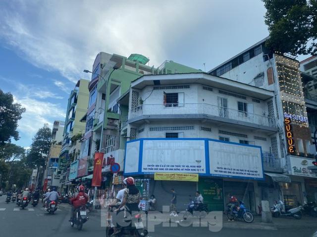 Nhà phố tiền tỷ thi nhau đóng cửa, treo biển cho thuê ở trung tâm Sài Gòn - 3