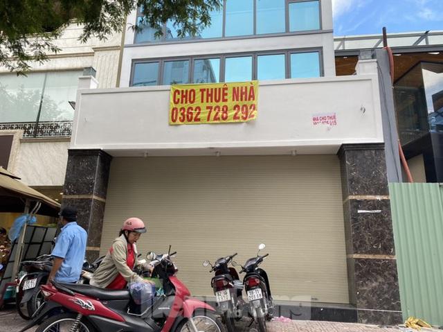 Nhà phố tiền tỷ thi nhau đóng cửa, treo biển cho thuê ở trung tâm Sài Gòn - 7
