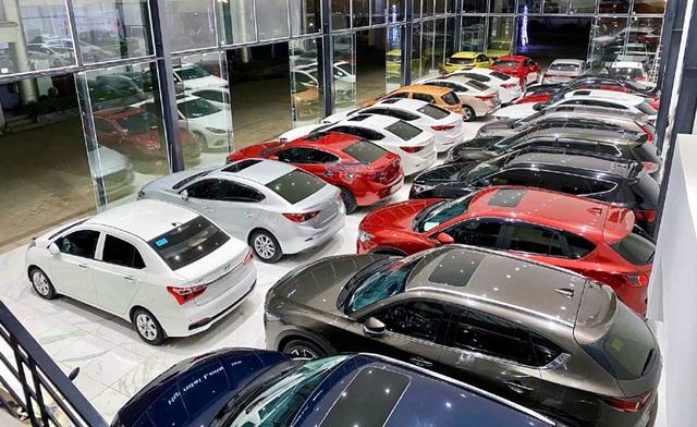 Cần tiền gấp bán rẻ ô tô, ông chủ chịu lỗ hàng trăm triệu - 2