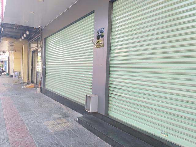Hàng loạt hàng quán đóng cửa, chỉ bán mang về - 6