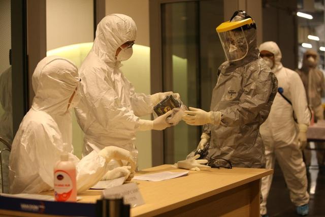 Quy trình đặc biệt đón 140 người nhiễm Covid-19 trở về từ Guinea Xích đạo