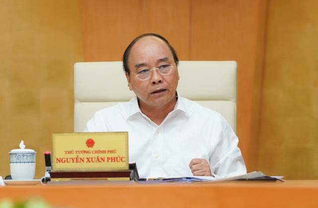 """Thủ tướng: Không ngăn sông cấm chợ, không để """"đứt gãy"""" nền kinh tế!"""
