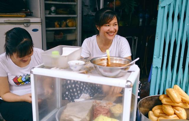 Hàng bánh mì Hà Nội từ thời bao cấp, bán 400 chiếc/ngày, giá chỉ 10 nghìn đồng - 3