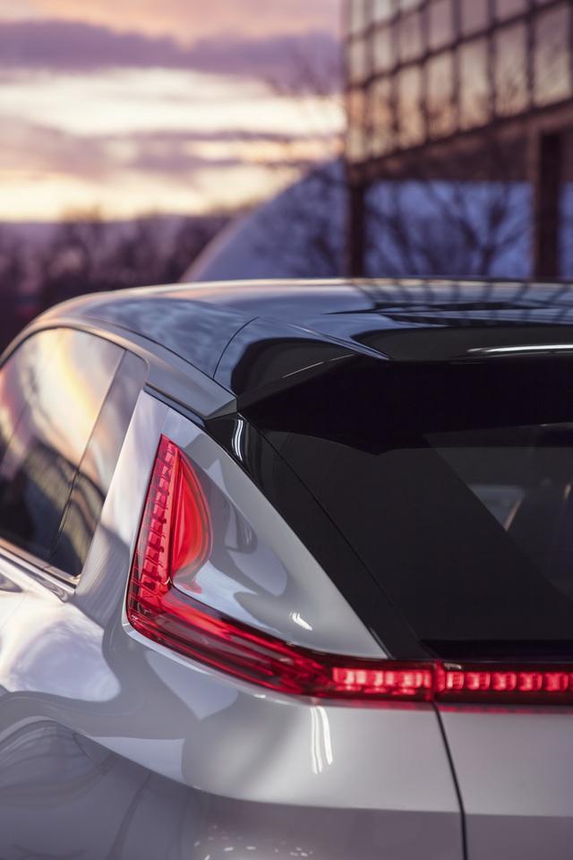 Cận cảnh tân binh Lyriq - Kỷ nguyên mới của Cadillac - 9