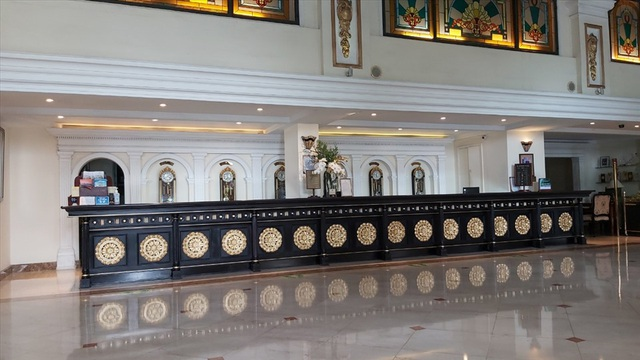 Giá khách sạn 5 sao rẻ bèo, người dân TPHCM rủ nhau vào ở để trải nghiệm - 2