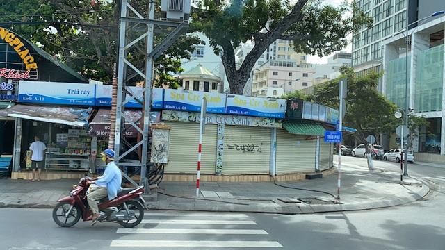 Dịch COVID-19 khiến Nha Trang đìu hiu, hàng loạt khách sạn đóng cửa - 4