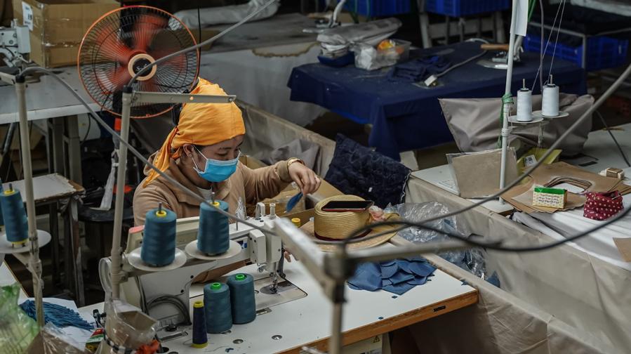 Campuchia mất đặc quyền thương mại của EU khi sắp ký FTA với Trung Quốc