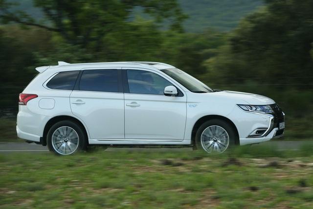 Mitsubishi dừng xuất xe SUV sang thị trường châu Âu - 2