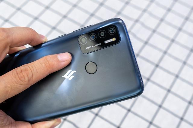 Trên tay Vsmart Live 4: smartphone giá tốt, thiết kế đẹp do VinSmart tự chủ - 4