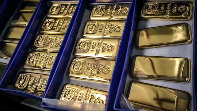 Giá vàng tăng phi mã, các công ty giữ hộ vàng đau đầu với bảo hiểm - 1