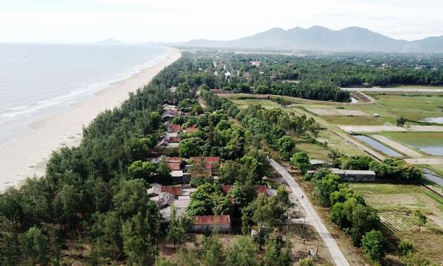 Khu du lịch biển Xuân Thành hoang tàn sau nhiều năm vắng bóng du khách - 1