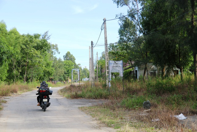 Khu du lịch biển Xuân Thành hoang tàn sau nhiều năm vắng bóng du khách - 11