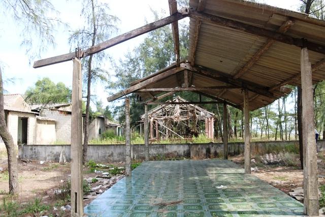 Khu du lịch biển Xuân Thành hoang tàn sau nhiều năm vắng bóng du khách - 8
