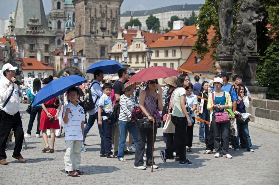 Trung Quốc cảnh báo công dân không tới Séc