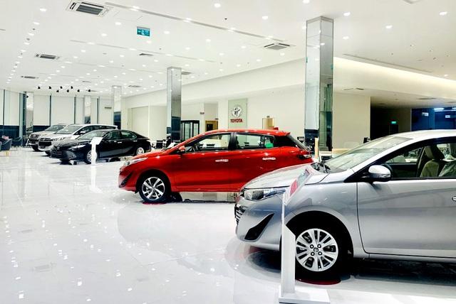 """Nhập khẩu ô tô giảm mạnh, kinh doanh xe trong nước """"ảm đạm"""" - 2"""
