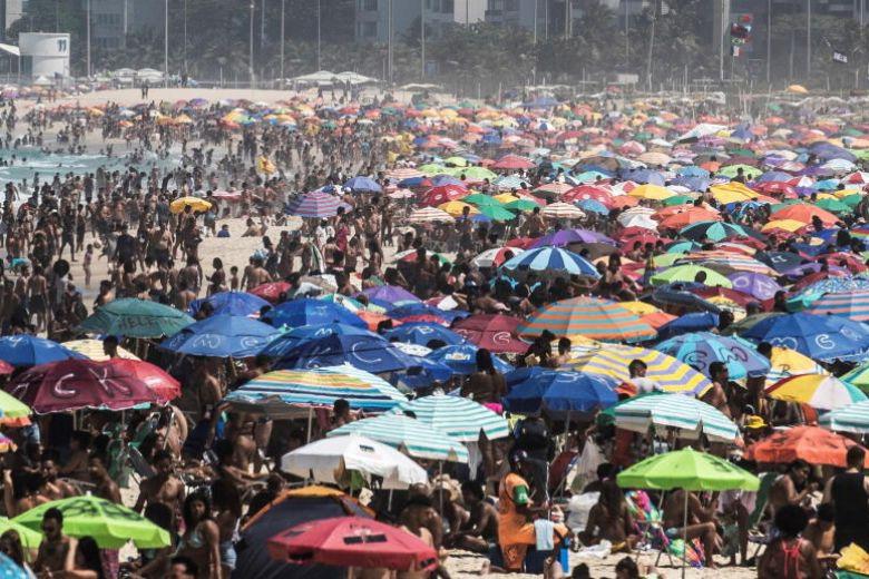 WHO: Số người mắc Covid-19 toàn cầu tăng mạnh chưa từng có