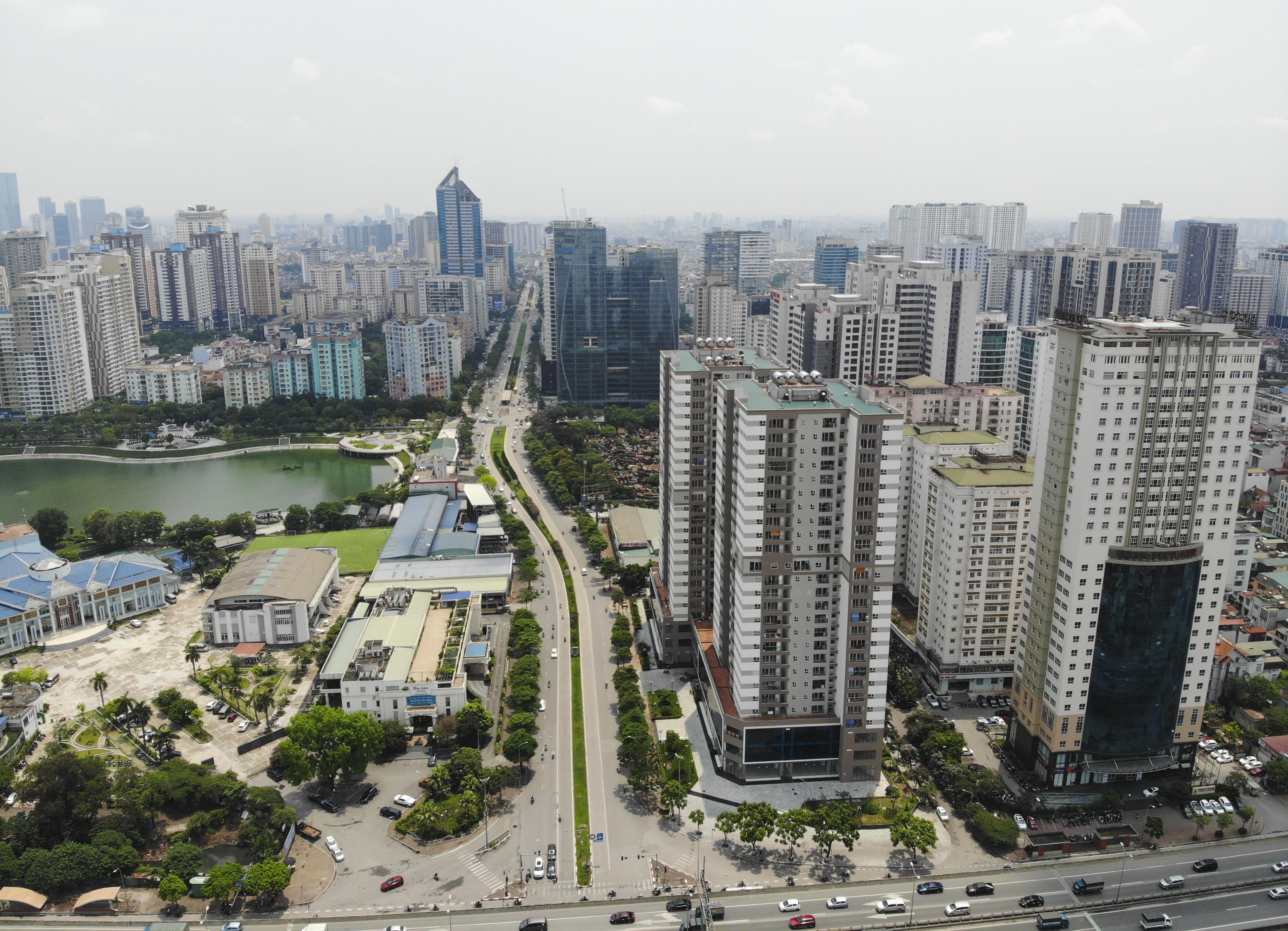 Thị trường bất động sản 3 miền thoát cảnh