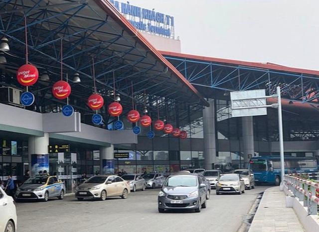 Thu tiền xe vào sân bay nếu quá 10 phút, phí tăng dần theo block thời gian - 1