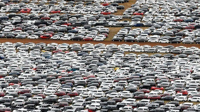 Ngân hàng rao bán loạt ô tô siết nợ, dân mua lo sợ khi xuống tiền - 2