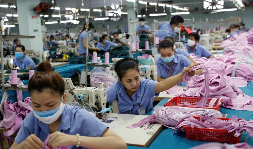 """""""Việt Nam dự kiến là nước Đông Nam Á duy nhất tăng trưởng trong năm 2020"""""""