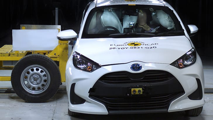 Toyota Yaris 2021 là mẫu xe nhỏ đầu tiên đạt 5 sao Euro NCAP chuẩn mới