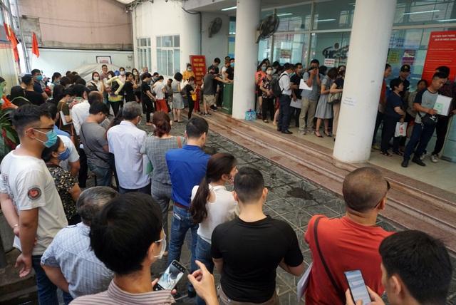 Người lao động Việt Nam nguy cơ thất nghiệp, giảm sâu thu nhập gia tăng mạnh