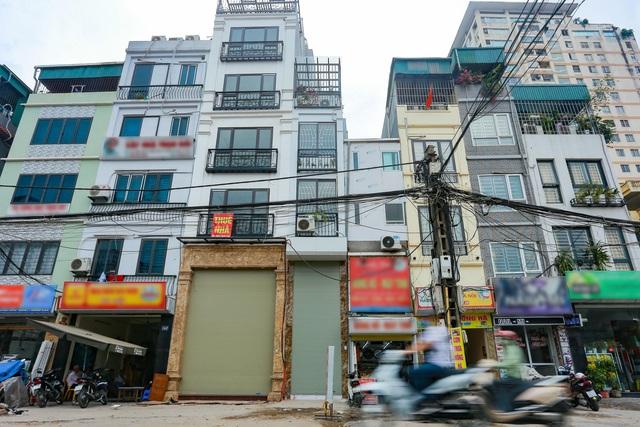 """Cuộc sống đối nghịch trong căn nhà """"siêu nhỏ"""" 7,5 m2 giá 3 tỷ đồng ở Hà Nội - 10"""