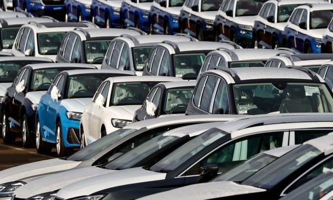 Ô tô đắt gấp 2-3 lần thế giới, 7 năm không ăn tiêu đủ mua xe 400 triệu đồng