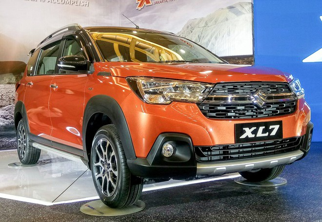 Suzuki XL7 giảm giá 25 triệu, tham vọng soán ngôi của Mitsubishi Xpander