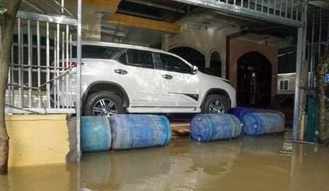 Muôn kiểu tránh ngập, chống bão cho ô tô được cư dân mạng chia sẻ rần rần - 6