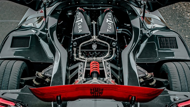 Ông chủ SSC bóc mẽ hãng Bugatti - 9